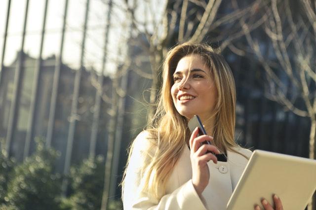 Dress to Impress: 3 Tipps zur Bekleidung als Geschäftsfrau